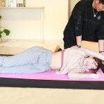 姿勢改善で足が伸びる!筋トレ女子が大事にすべきストレッチ。